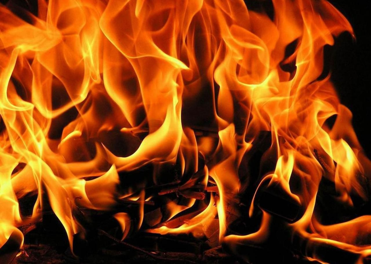 В Яремче горіли два будинки